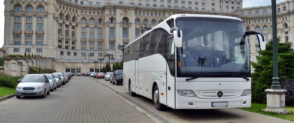 inchiriere autocar 50 locuri